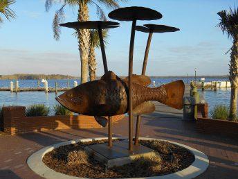 largemouth bass sculpture doug hays