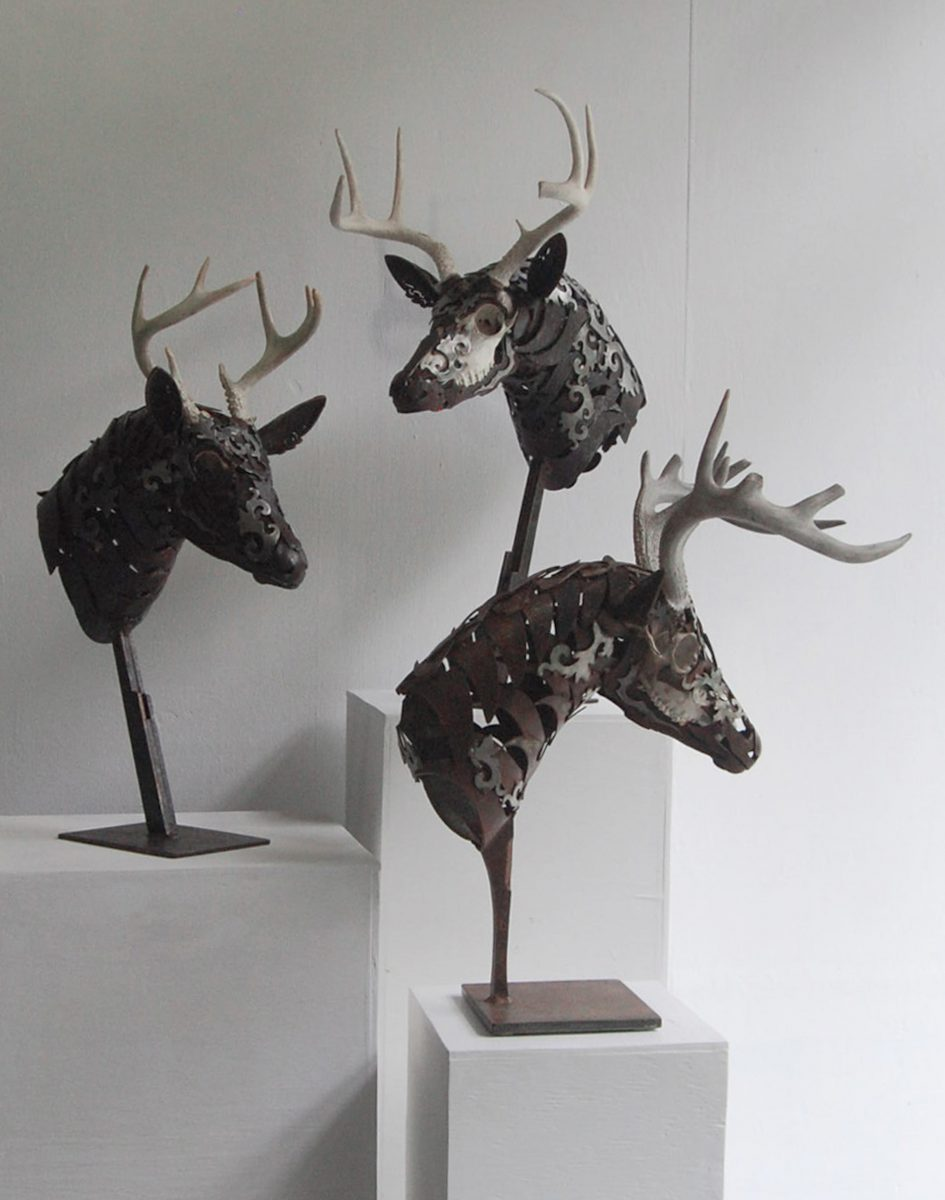deer metal sculpture