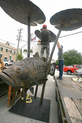 public art laregemouth bass sculpture florida public art